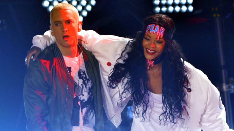 Eminem apologises to Rihanna for supporting Chris Brown's assault of her